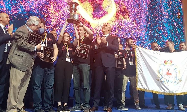 Нижегородцы выиграли самый престижный мировой чемпионат программистов
