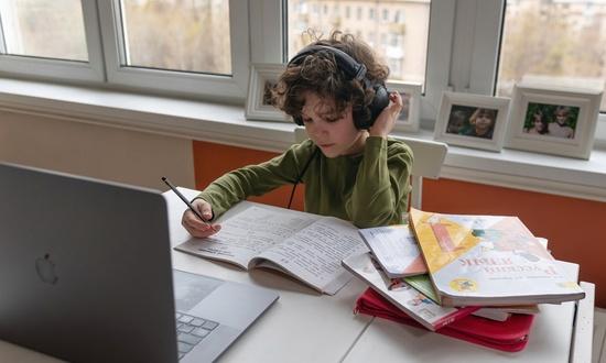 30 тысяч школ в мире работают по российским учебникам