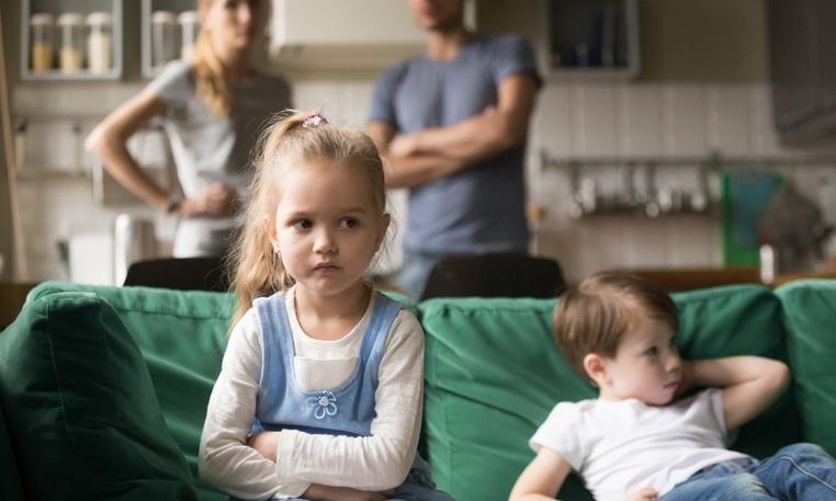 В России заработала горячая линия для родителей