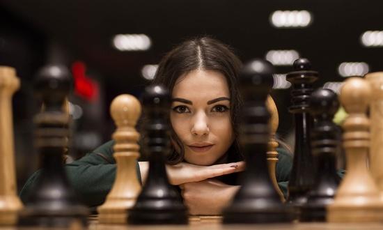 Советская шахматистка подала в суд на создателей «Хода королевы»